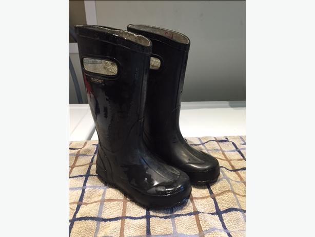 Kids Bogs Rubber Boot Size 10 Black North Saanich