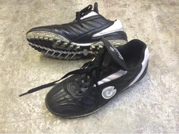 Field Hockey Shoes Size 2.5
