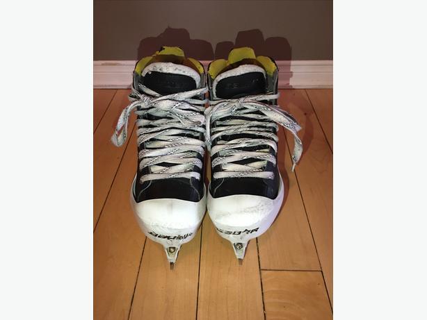 Bauer Goalie Skate - size 4