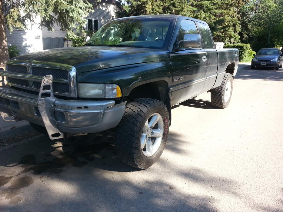 1996 Dodge 1500 4x4 Front Axle : Dodge ram speed west regina mobile