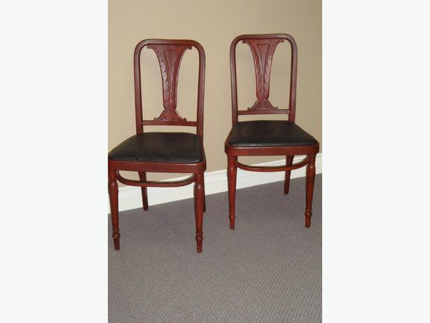 Vintage High-end Chairs with character (2)