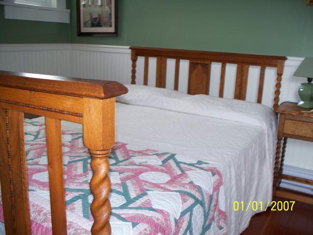 Oak Barley Twist Double Bed