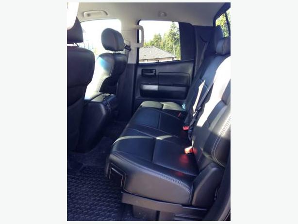 2012 5.7 Toyota Tundra SR5 with leather