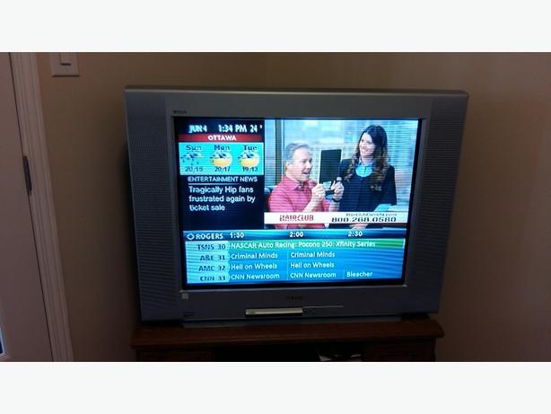 Sony wega trinitron 32 inch TV
