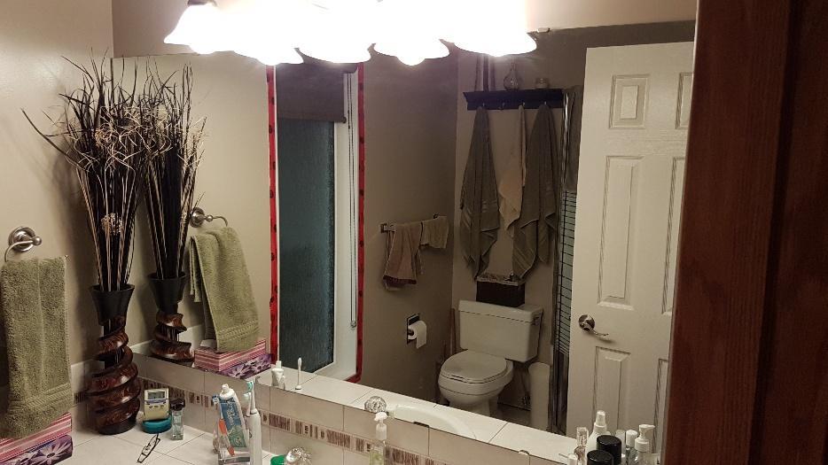 Large bathroom mirror east regina regina for Bathroom mirrors winnipeg