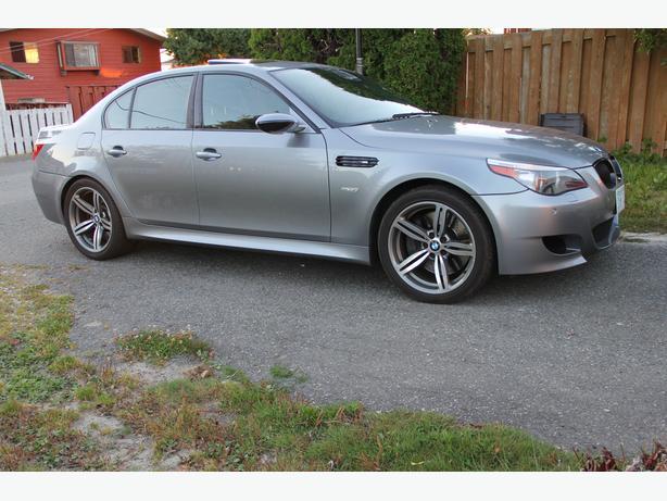 BMW M5 - 507HP V10 5.0L LOADED