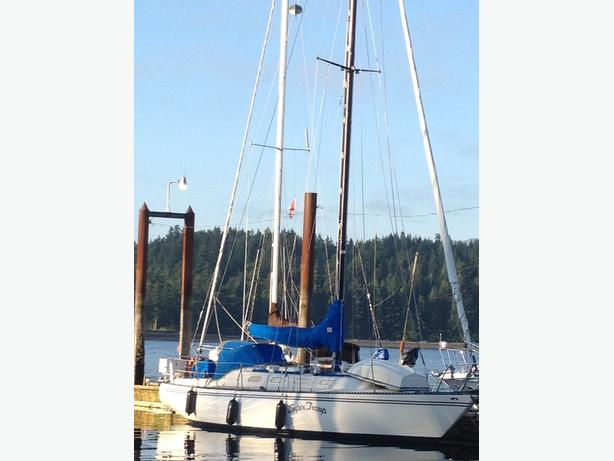 35.6' Swan Design Sailboat