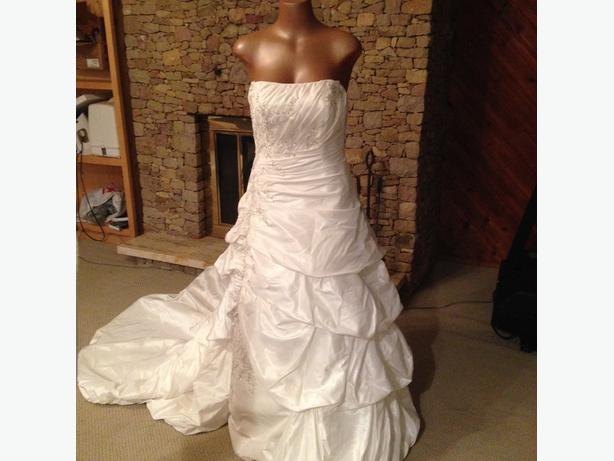 beautiful wedding dress size 12