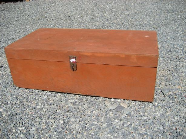WOODEN TOOL BOX