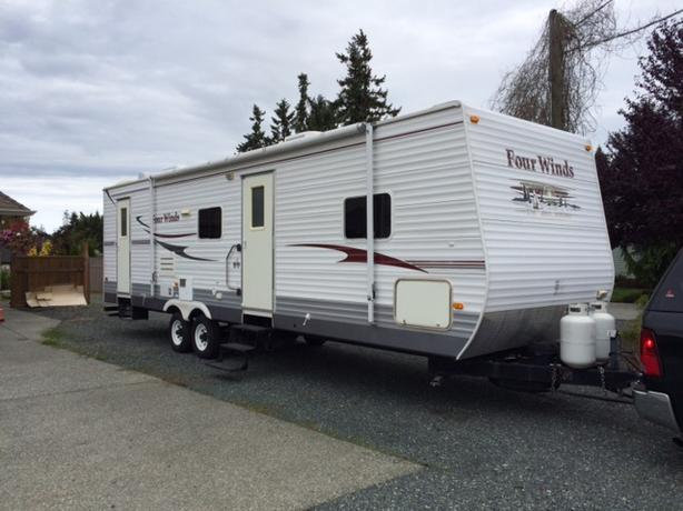 2007 Fourwinds Travel Trailer 30s
