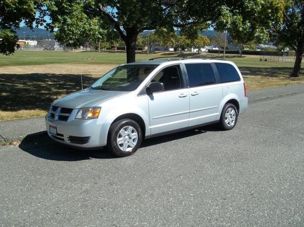 2009 DODGE GRAND CARAVAN - FULL STOW AND GO
