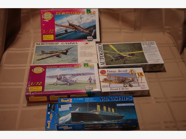 Vimtage plastic scale aircraft models