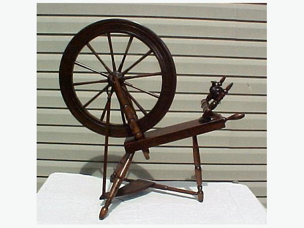 Antique Wooden Working Spinning Wheel~Complete~Wooden Pegs