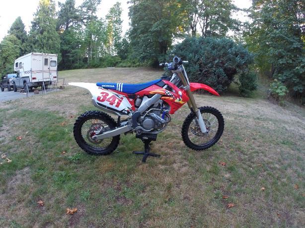 2010 honda crf250r motocross bike