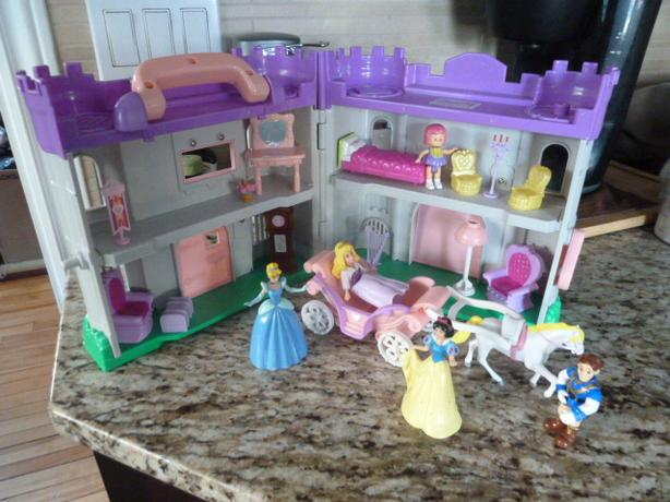 Castle playset and accessories