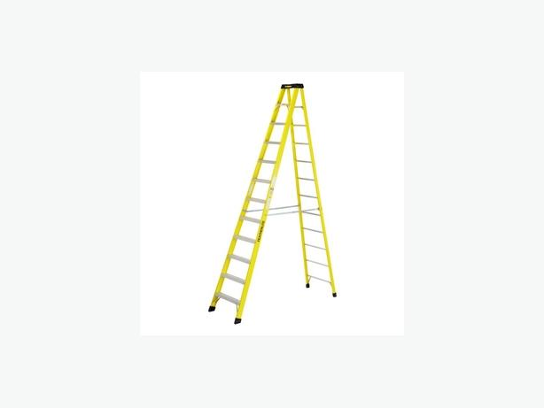 Featherlite step ladder 12 footer, extraheavy duty but lightweight