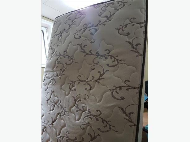 Single bed with box spring