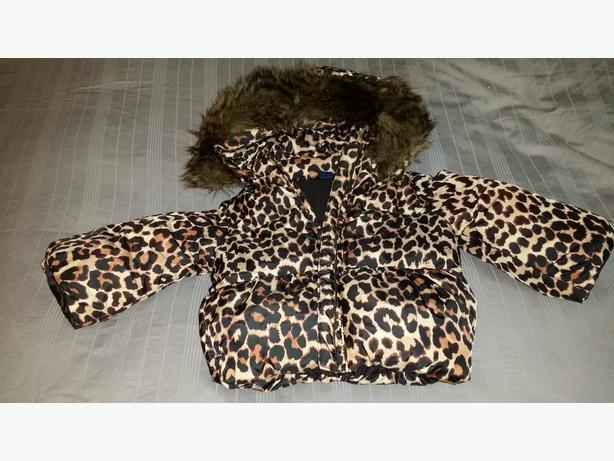 Super cute puffy GAP coat Girls 18-24 months