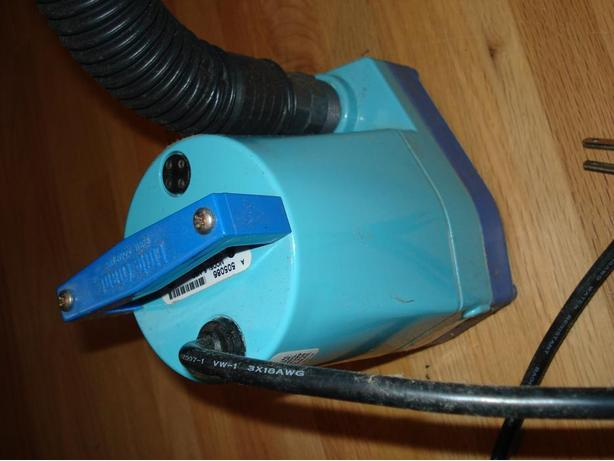 Pump: Little Giant, Submersable, 120 Volt,   used one time