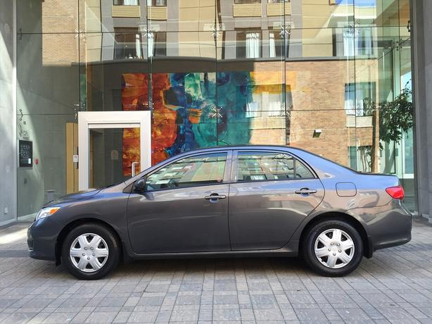 2009 Toyota Corolla CE - LOCAL VEHICLE! - NO ACCIDENTS!