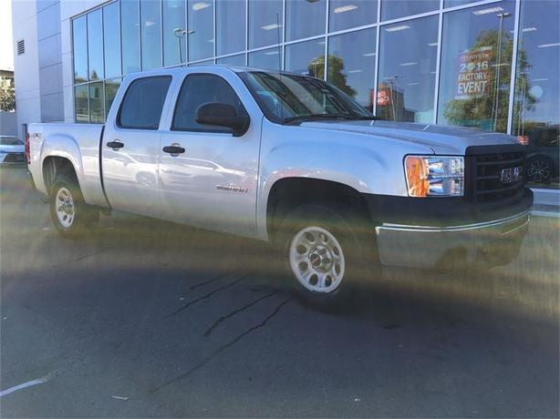 2013 GMC Sierra 1500 WT NO ACCIDENTS LOCAL B.C. ONE OWNER