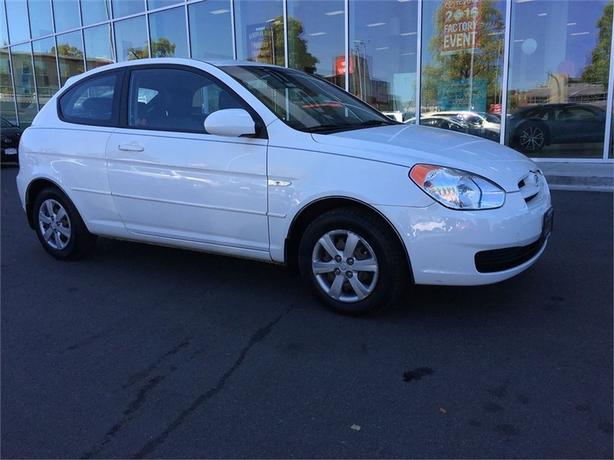 2009 Hyundai Accent Man GL w/Sport Pkg ONE OWNER LOCAL VICTORIA