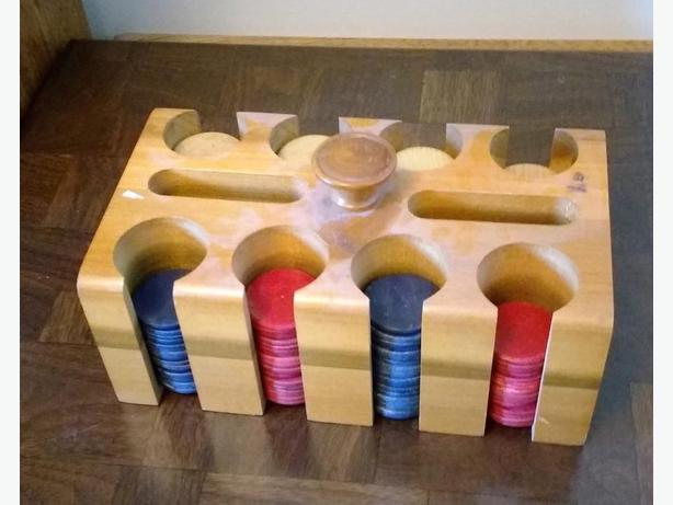 ANTIQUE POKER CHIP CADDY WITH WOOD POKER CHIPS