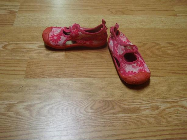 Like New Pink Water Shoes Toddler Size 9-10 - $5