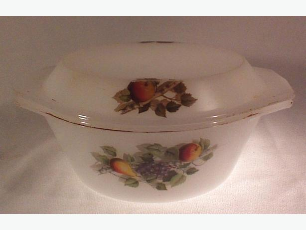 Arcopal Fruits de France covered casserole