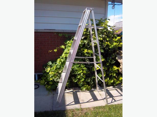 "82"" aluminum step ladder"