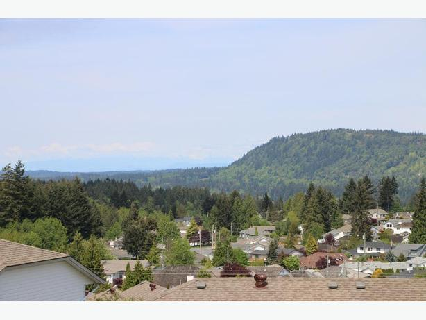 Views! Two Fully Serviced! ... and see the mountains!