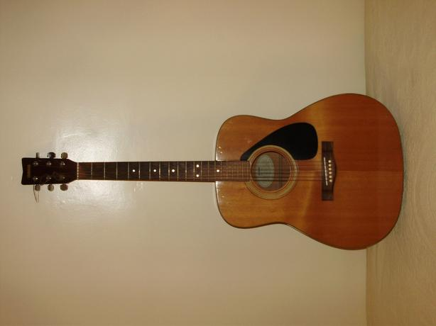 YAMAHA GUITAR & CASE
