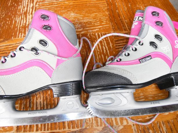 CCM Jamie girl skates size 3