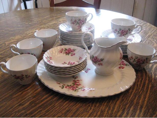 Pretty vintage ironstone china