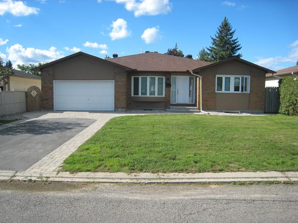 Bungalow Duplex, Income Property in Pineview  1468 Bortolotti Cres.