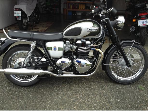 2012  Triumph T100 Bonneville SE