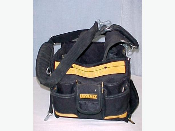 "DeWalt DG5582-11"" Electrical Electrician Contractor's Tool Bag Box Carrier"