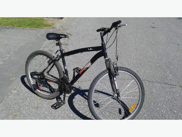"26"" Mongoose mountain bike"