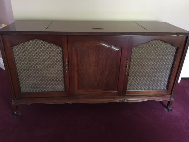 Collectable Stereo Cabinet