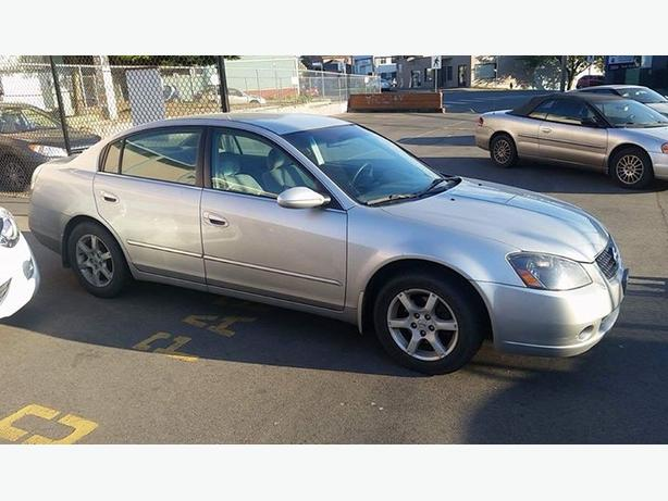 FOR TRADE: 2005 Nissan Altima 2.5S Extra