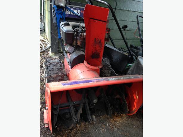 Ariens ST1132LE snow blower