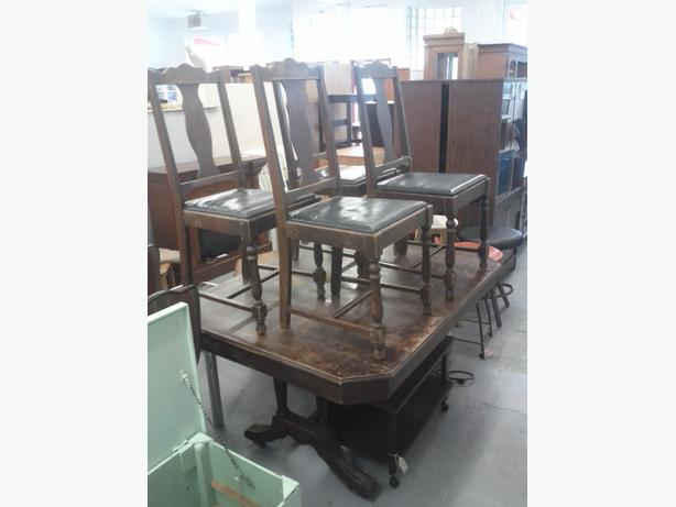Vintage Dining Table Set