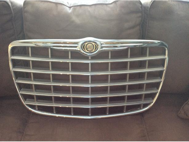 Stock front grill for 2006 Chrysler 300c