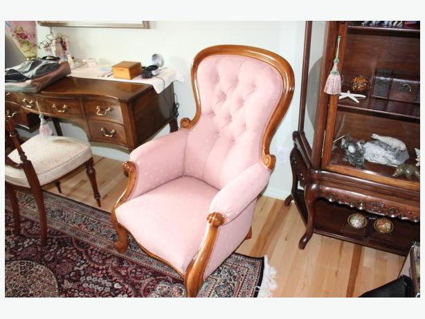 ANTIQUE PARLOUR CHAIR