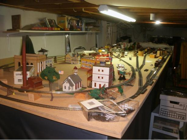 H.O. Rail Road Trains Set