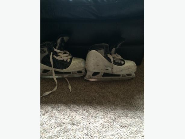 size2 goalie skates