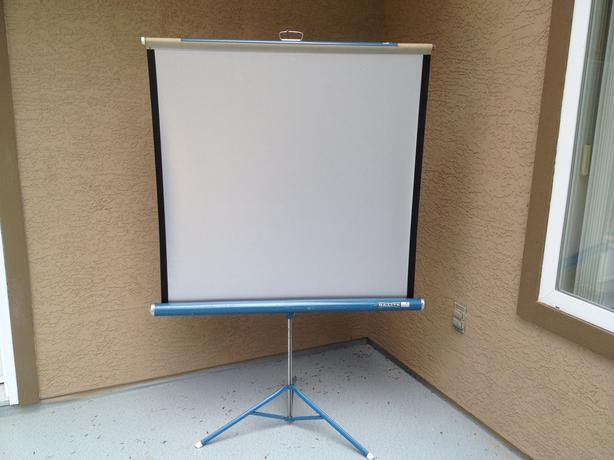 Vintage 1950's Da-Lite Silver Flyer Projection Screen