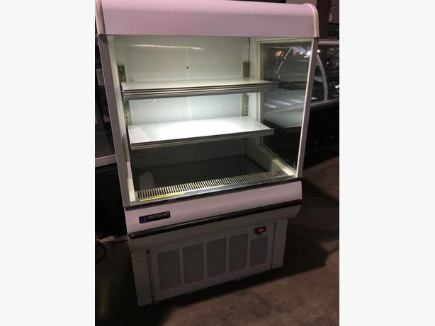 (MASTER-BILT) GRAB N GO REACH IN COOLER