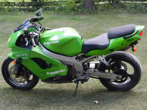 ZX9R NICE BIKE RUNS GREAT