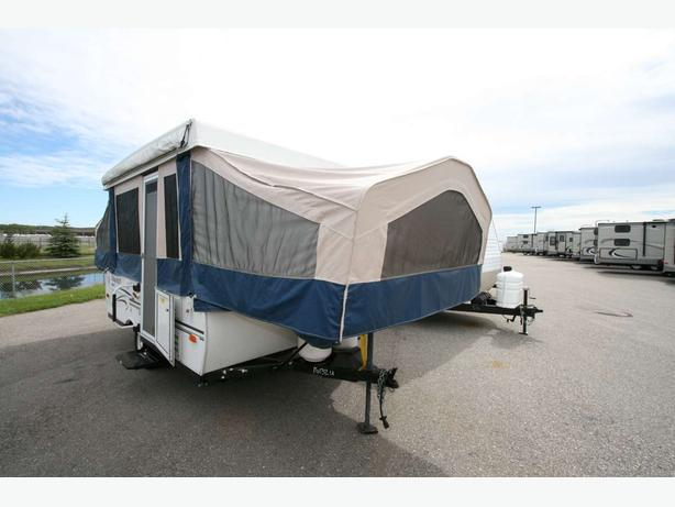 2013 FOREST RIVER FLAGSTAFF 207BH